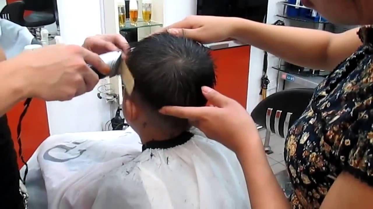 cắt tóc bằng tông đơ cho bé